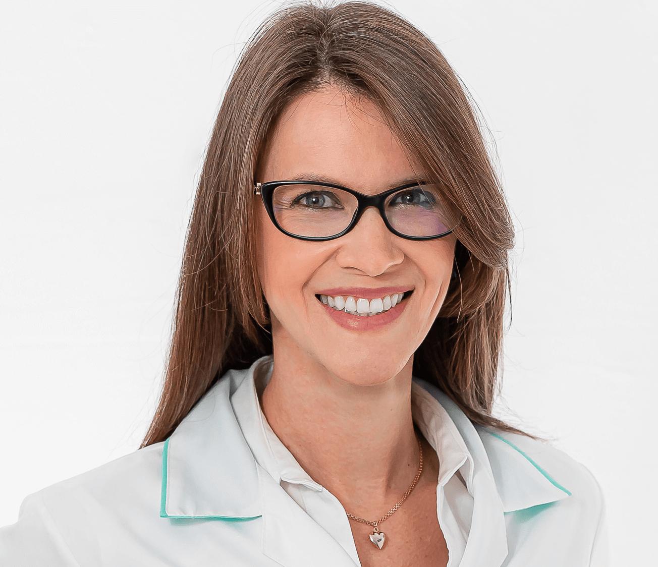 Dra. Camila Witeck